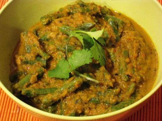 beans gravy curry