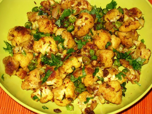 cauliflower-peas curry