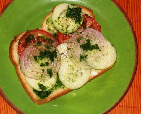 sandwich with green-chutney