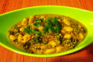 Spinach-Cannellini Beans Curry