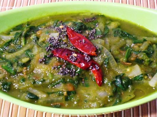 spinach-cilantro gravy