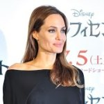 "Angelina Jolie to Direct Richard Leakey Biopic ""Africa"""
