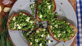 How to Make Peas and Feta on Toast