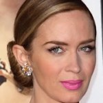 Emily Blunt, Liam Hemsworth and Julie Bowen Are Not Very Excited about Thanksgiving