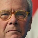 """Tom Brokaw Says His Cancer """"Is in Remission"""""""